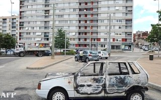 Burned cars in muslim Saint-Etienne