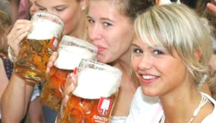 Heidi, Trude und Helga Oktoberfest